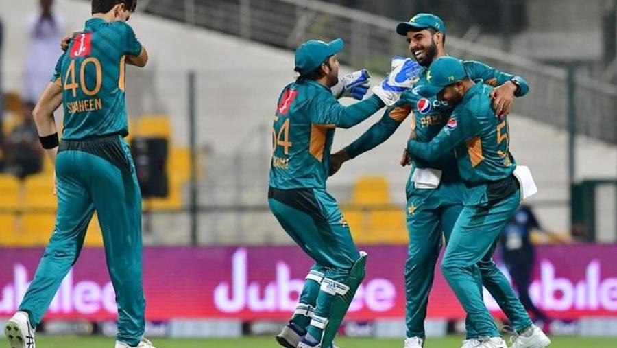 টি-২০ সিরিজ: শেষ বলে পাকিস্তানের জয়