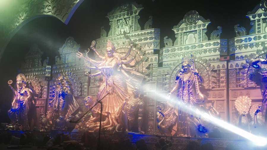 সারাদেশে চলছে শারদীয় দুর্গোৎসব