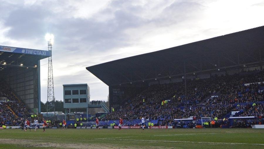 ইংল্যান্ডের সব ফুটবল প্রতিযোগিতা ৩০ এপ্রিল পর্যন্ত স্থগিত